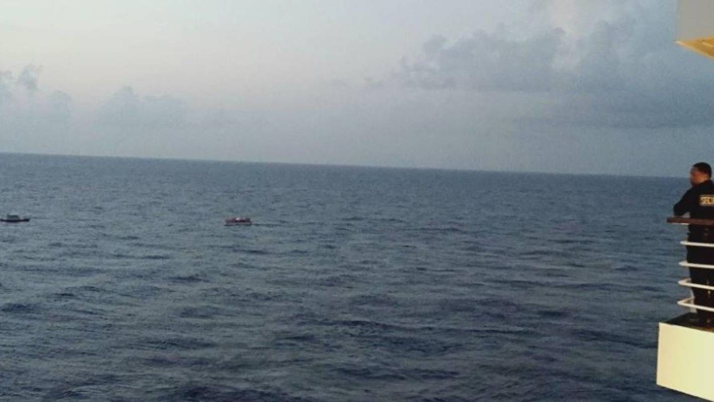 Carnival Cruise ship in sinking boat rescue | Stuff co nz