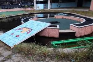 Not so luxurious: The old Big Brother pool is a mess.
