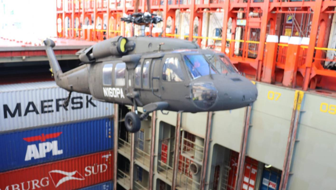 Black Hawk US military helicopter arrives in New Zealand