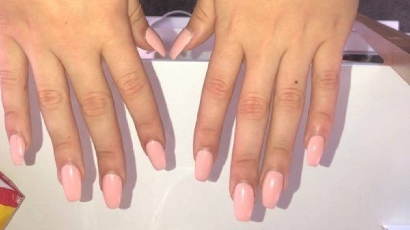 Student who got fake nails for school formal told to remove them or don't come to school