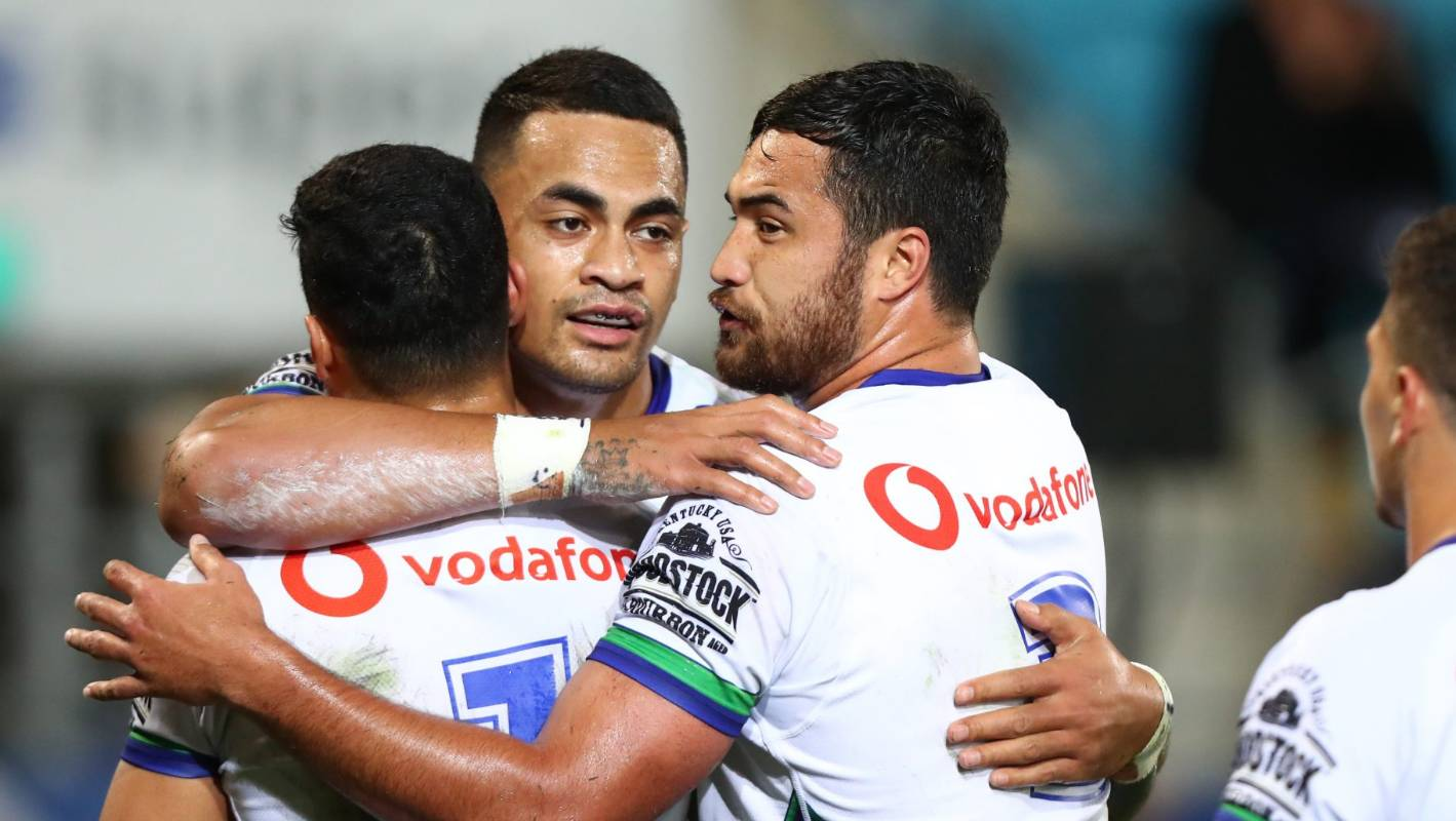 NRL: Warriors hold on for narrow win over Titans