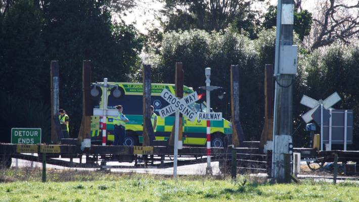 Two dead, three injured following train and car crash in Bay
