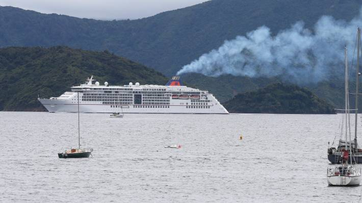 Cruise industry makes sulphur promise as Govt drags heels on