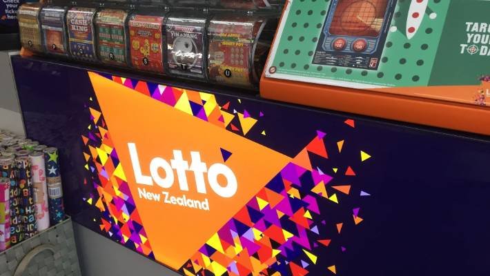 Two winners take home $500,000 and Lotto Powerball rolls over