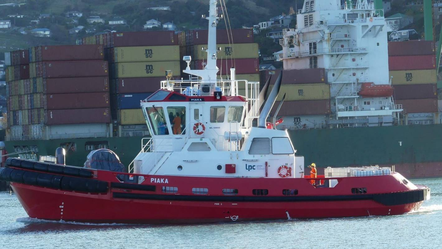 Port needs higher cranes for Lyttelton straddle carriers