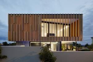 Residential New Home over 300m2 Architectural Design Award: House on a Hill, Napier, by Noel Jessop of Noel Jessop ...