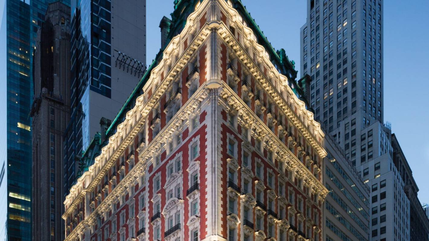 New York's Knickerbocker Hotel: The Big Apple accommodation with a