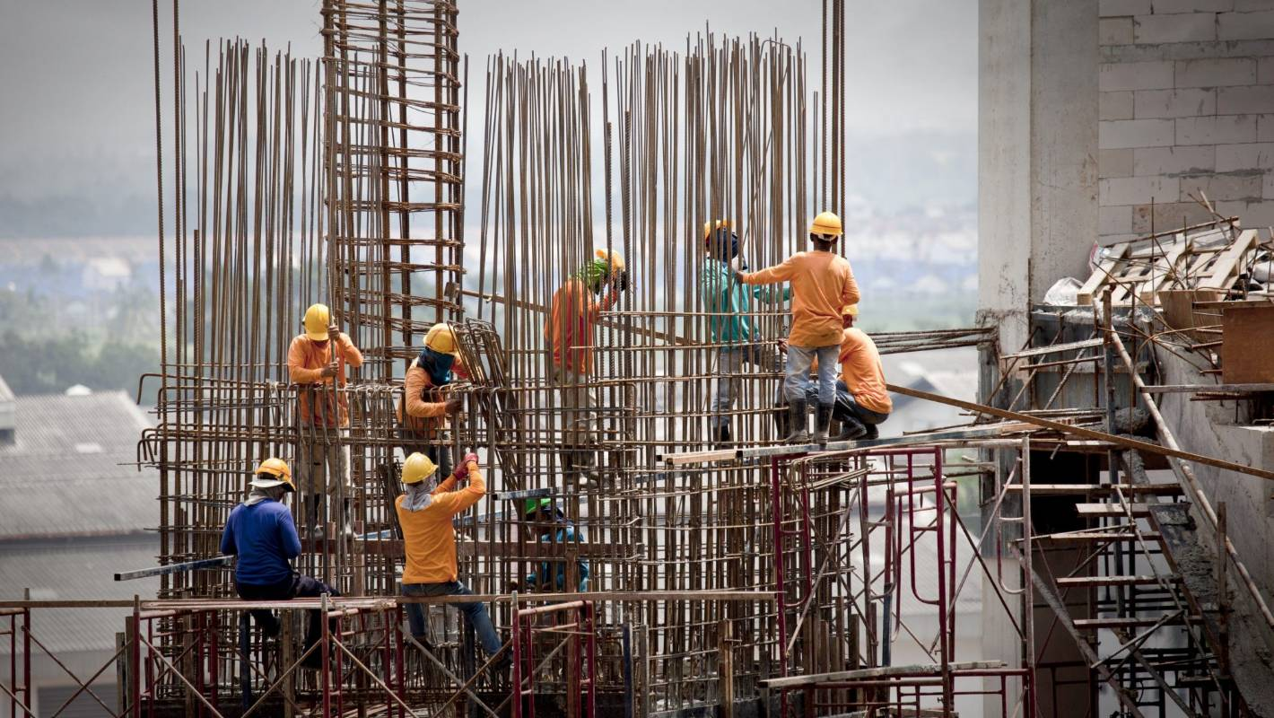 Big construction contractors oppose licensing of their builders working on commercial buildings