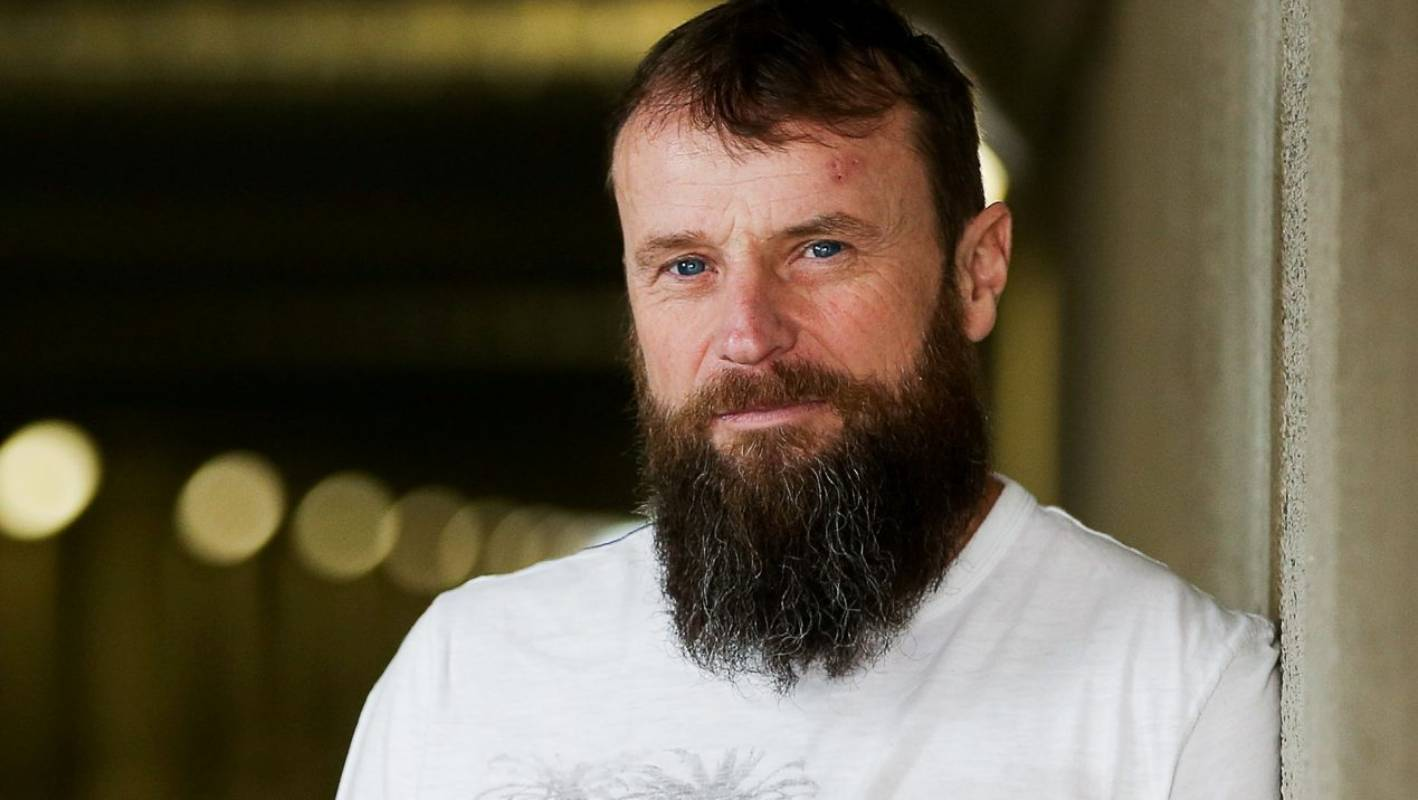 Kiwi motorcyclist Bruce Anstey wins at Isle of Man after overcoming cancer