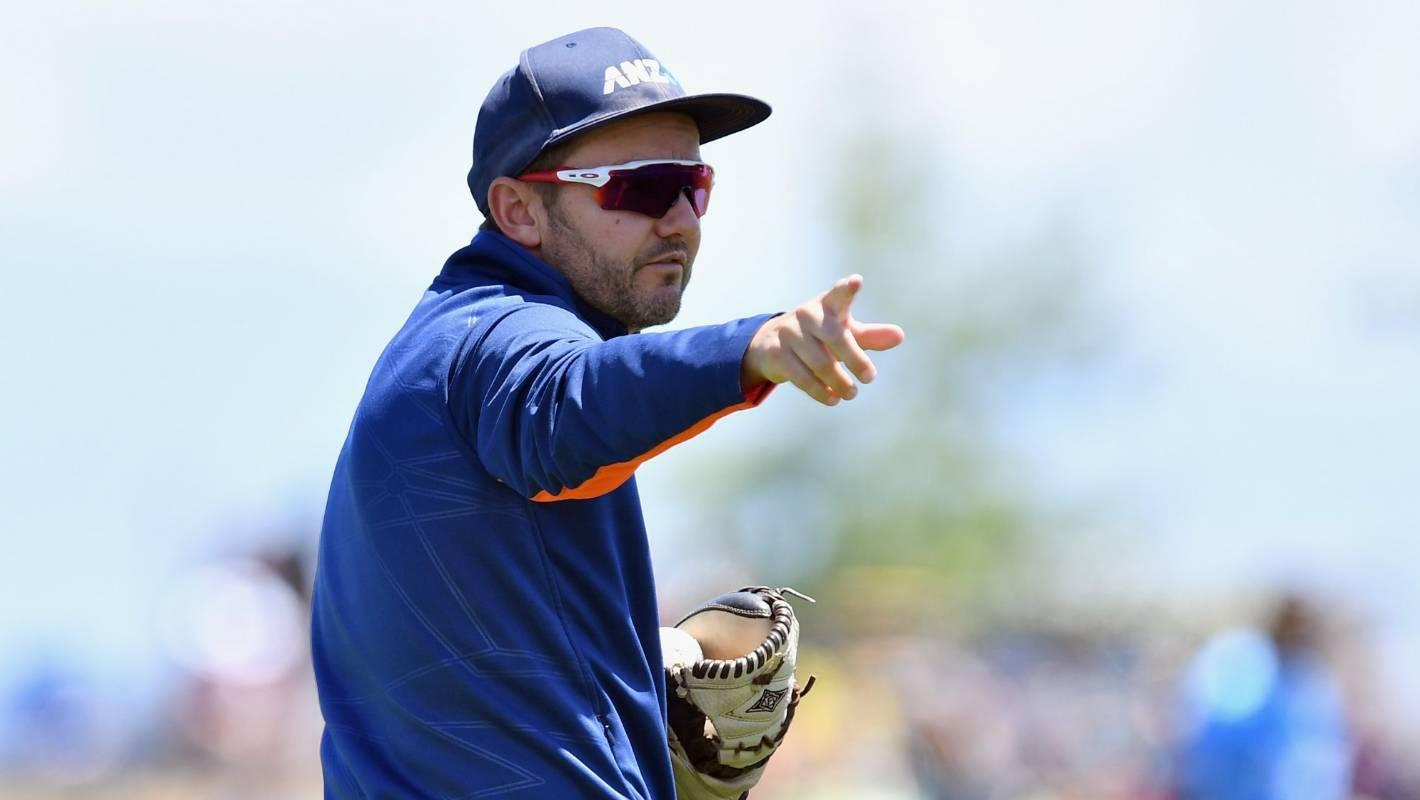 Coach Mike Hesson returns to IPL with Bangalore, home of Virat Kohli