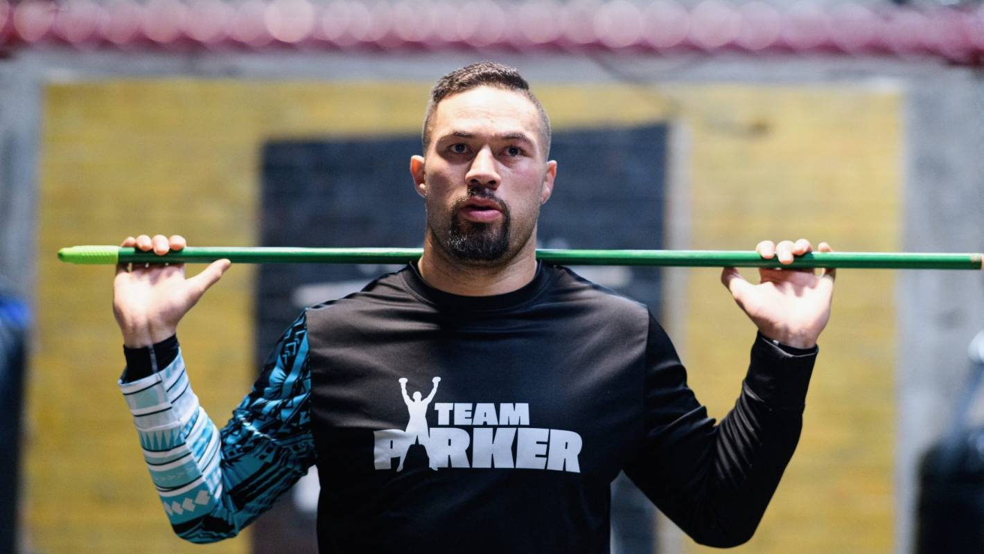 Early warning signs for Joseph Parker who expects 'every trick in the book' from Dereck Chisora
