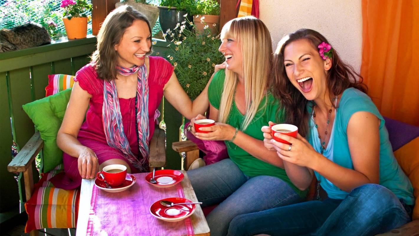 картинки подружки пьют чай