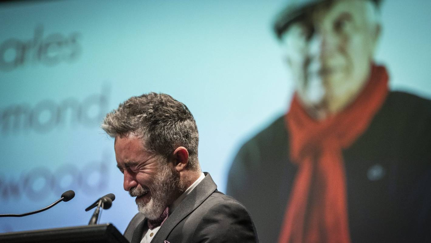 Dai Henwood pays tearful tribute to his father, acting