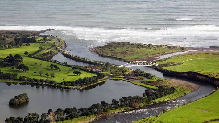 Poor summer for Taranaki freshwater swimming holes | Stuff co nz