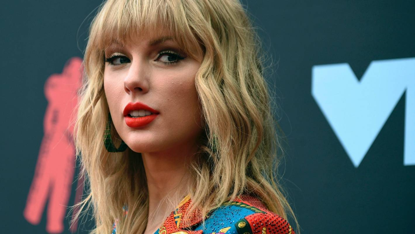 Taylor Swift's decision to perform at the Melbourne Cup sparks backlash