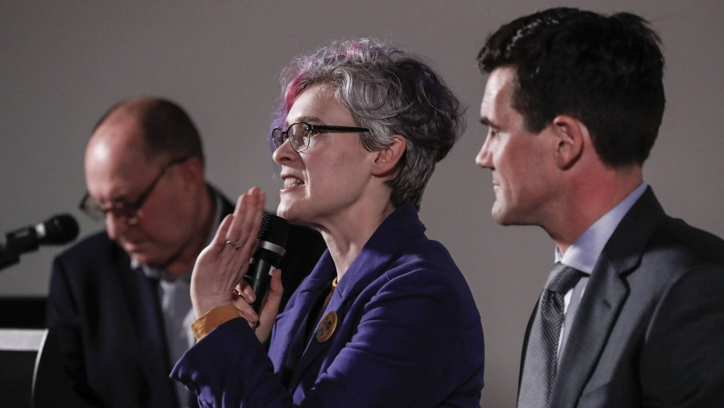 Wellington 'is a bit stuck': Mayoral candidates debate rates, convention centre and LGWM