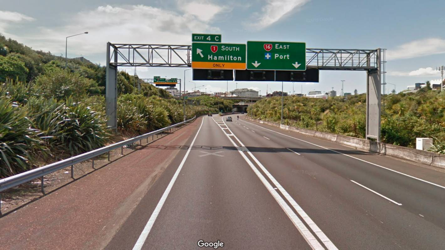 Auckland's western motorway partly closed by police incident