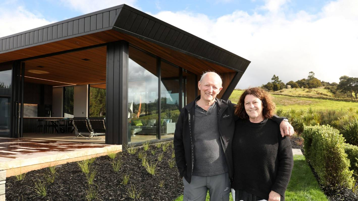 Grand Designs NZ: 'Modest bach' wows in modernist glass and steel