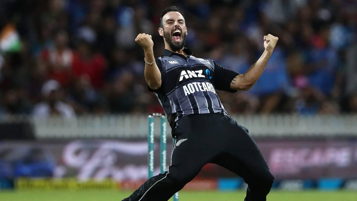 Daryl Mitchell lights up Black Caps Twenty20 camp with stunning catch