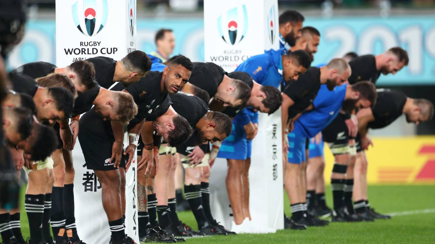 All Blacks v Ireland: Kiwis continue to be Rugby World Cup nice guys by bowing