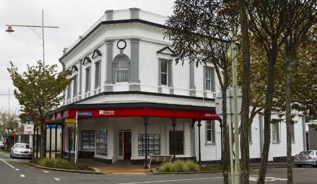 Heritage grants to earthquake strengthen two Taranaki buildings
