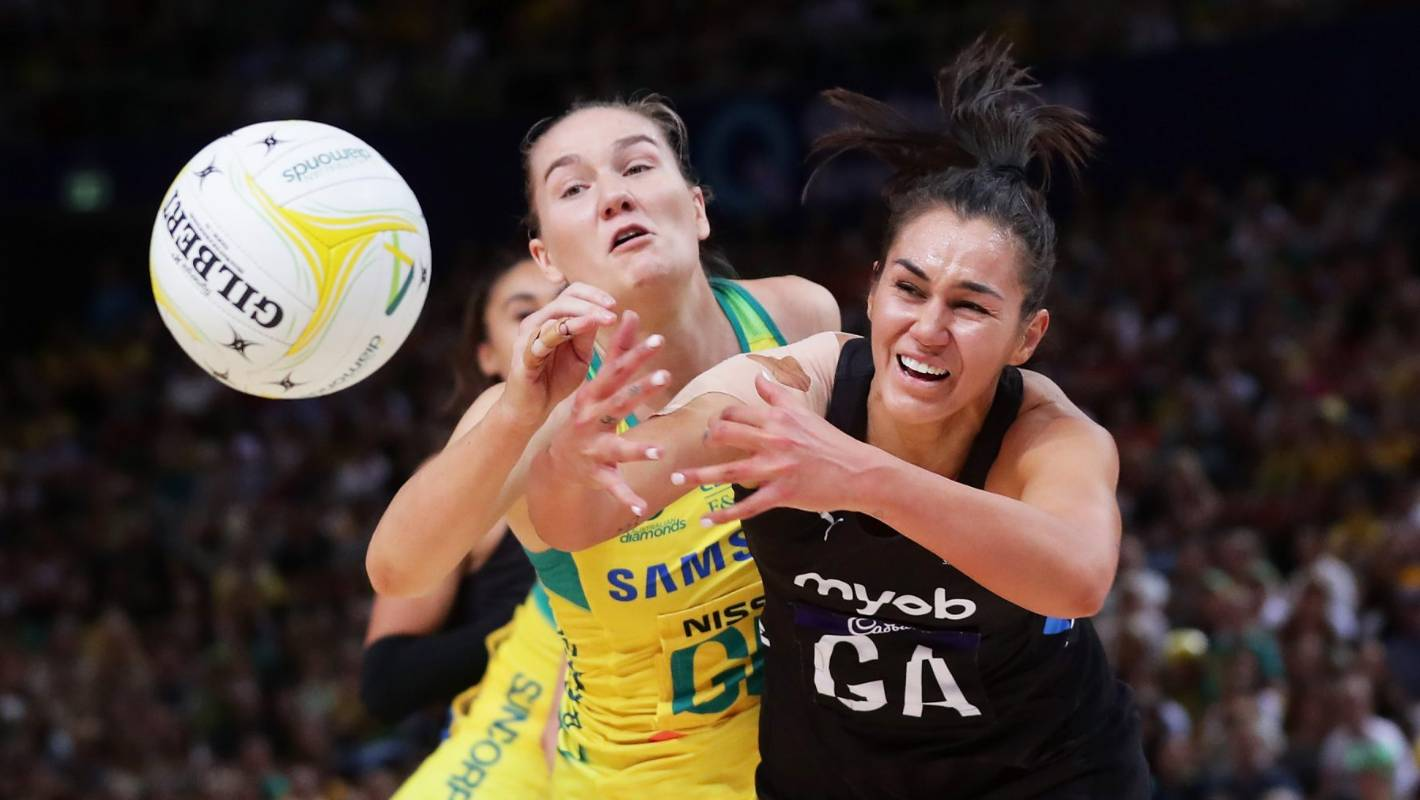 Silver Ferns fight hard to beat Australian Diamonds and keep Constellation Cup alive