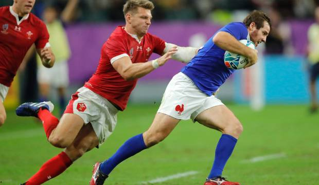 Wales v France: Late try powers Wales to thrilling win against 14-man France