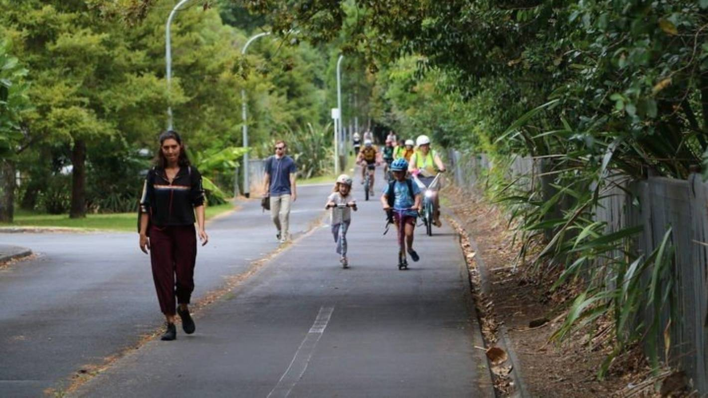 Cyclists reaching speeds as fast as cars on Auckland Northwestern cycleway