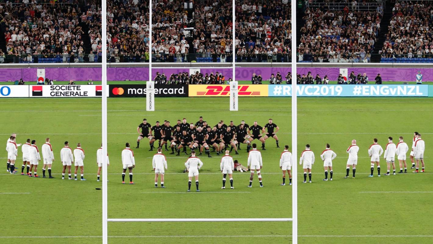 Rugby World Cup England S V Formation Against All Blacks Haka Was Meant To Be A Semi Circle Stuff Co Nz