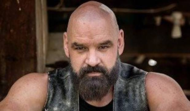 Kiwi actor selling his possessions to fund treatment for 'inoperable' tumour
