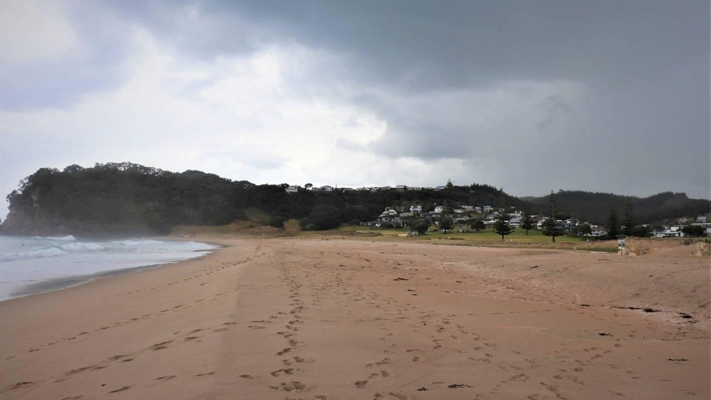 Boat tragedy: 'Selfless' grandad dies, wife stranded on beach