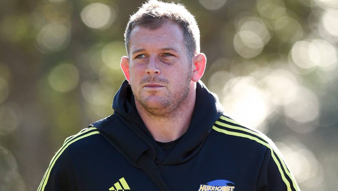 Hurricanes prop Toby Smith forced into retirement due to concussion issues