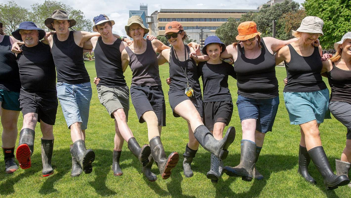 Record attempt to honour beloved character Fred Dagg gets people in their gumboots