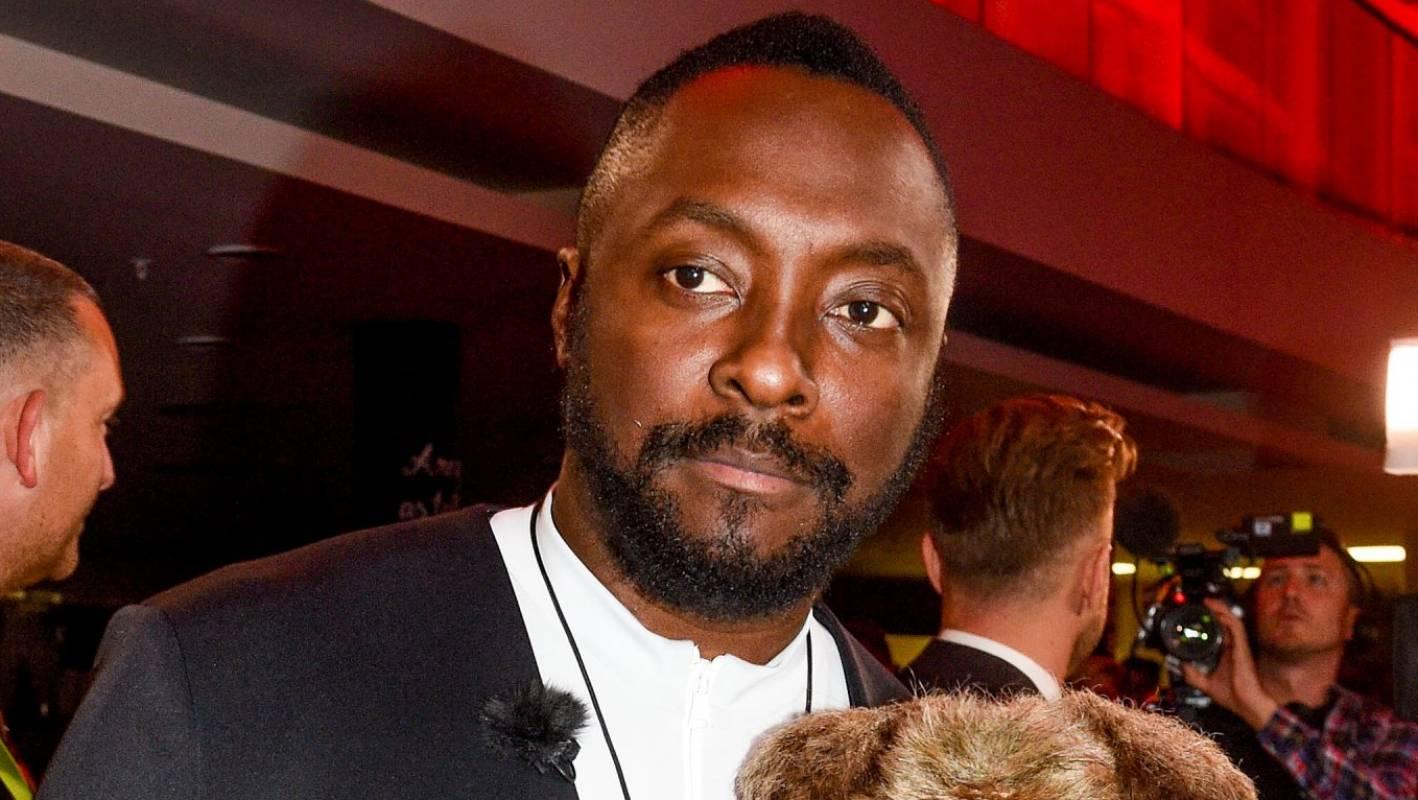 Black Eyed Peas frontman will.i.am says Qantas flight attendant was 'racist'