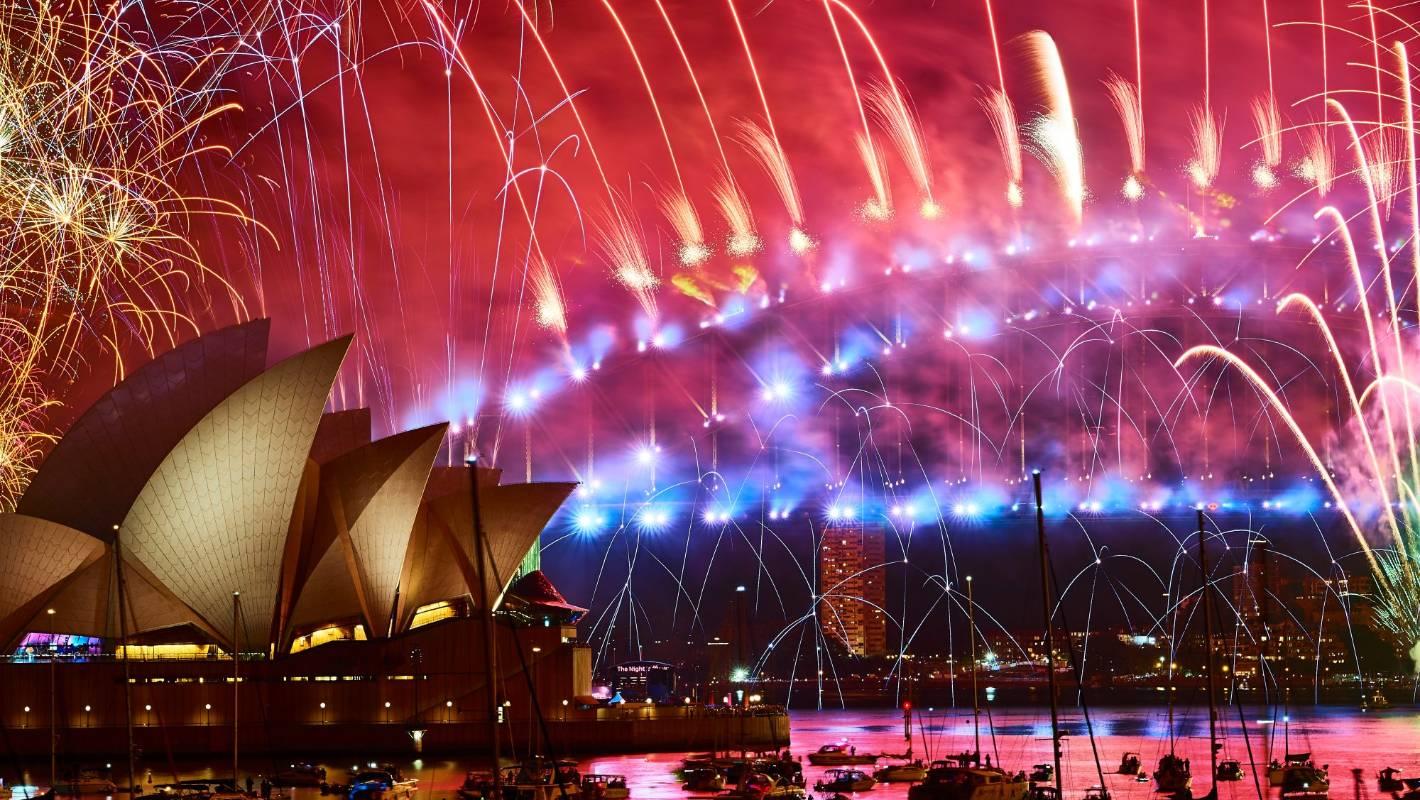 Australian bushfires: Thousands sign petition to scrap Sydney's iconic NYE fireworks - Stuff.co.nz