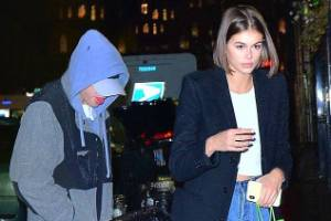 Kaia Gerber, Pete Davidson SEE MORE CAPTION New couple Kaia Gerber and Pete Davidson step out to Webster Hall to watch ...