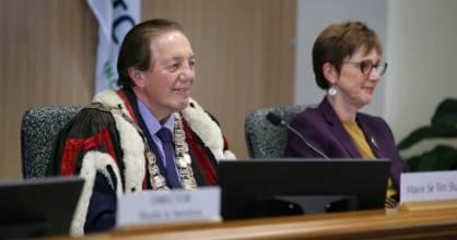 Invercargill Mayor Sir Tim Shadbolt, with Invercargill City Council chief executive Clare Hadley at a council meeting.