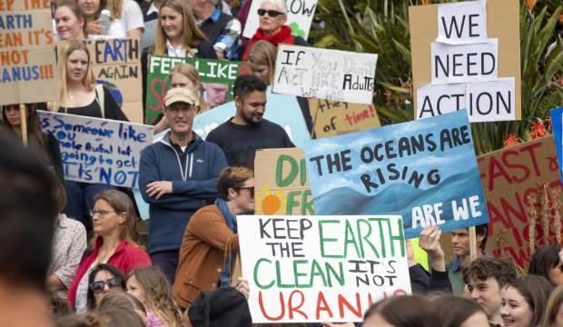 Big carbon emitters underperform on NZX sharemarket