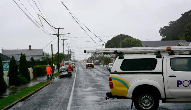 Weather deteriorates on stormy Sunday but sunshine returning to Taranaki
