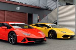 More power, more holes in the front: new Evo (left) meets outgoing Huracan.