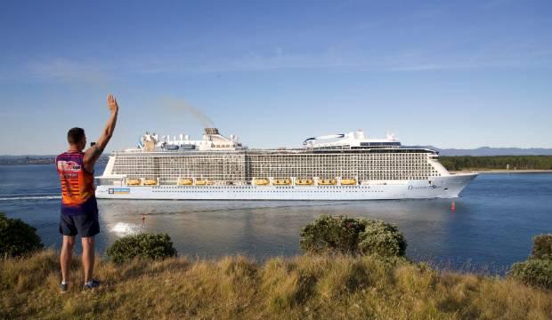 Crying and waving as cruise ship departs Tauranga