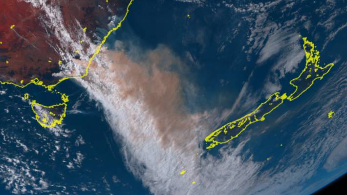 Bushfire smoke from Australia is blowing across the Tasman Sea towards the South Island.