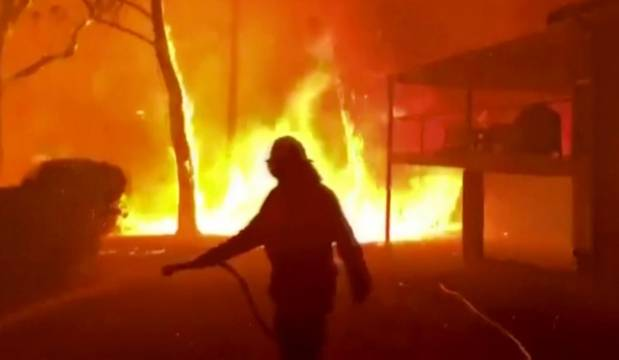 Australia bushfires: New Zealand, Fiji defence forces head to tackle the blazes