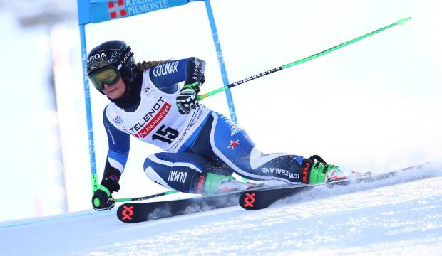New Zealand skier Alice Robinson performs strongly on World Cup giant slalom circuit