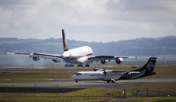 'Third world': Airline group asks Auckland Airport to explain runway spending