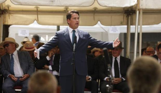 Simon Bridges wants to cut taxes and boost growth to keep kiwis at home