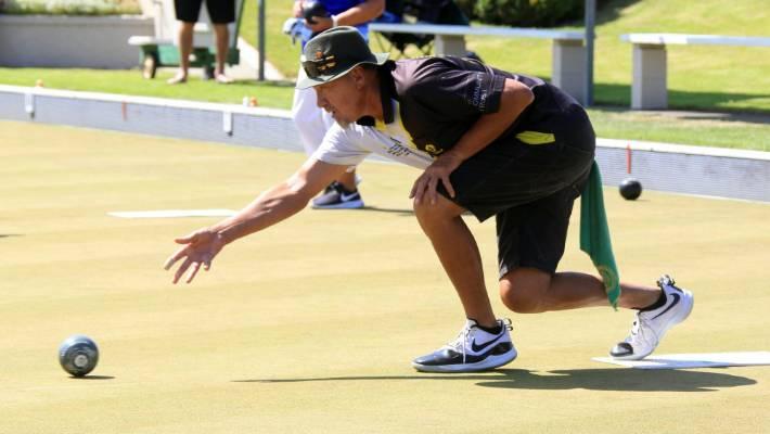 Skip Wayne Te Huki in action in the final.