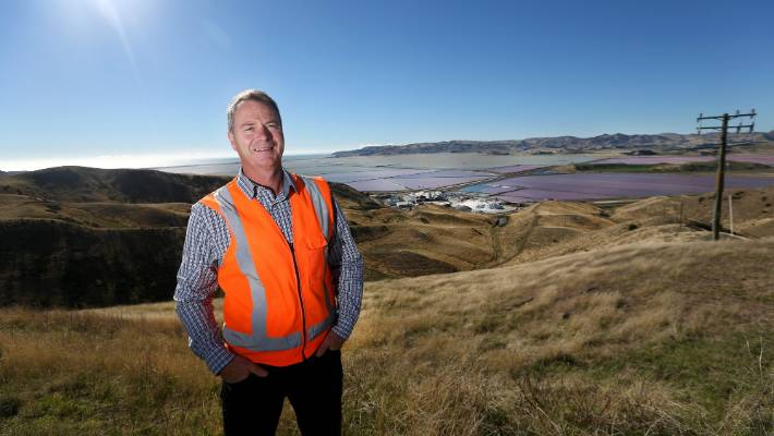 Dominion Salt site manager Euan McLeish said the effect was caused by dry conditions and low lake levels.