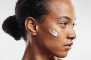 When it comes to dealing with dry skin, it's all about adding in that oil that your body doesn't produce as much of ...