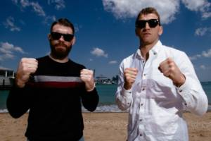 American Paul Felder and Kiwi Dan Hooker headline the UFC's return to Auckland on Sunday.